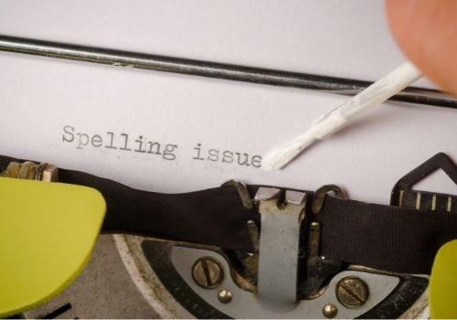 Los escritores autopublicados necesitan contratar a un corrector