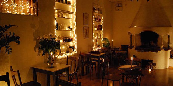 Πού θα πιούμε καφέ δίπλα στο τζάκι στην Αθήνα;