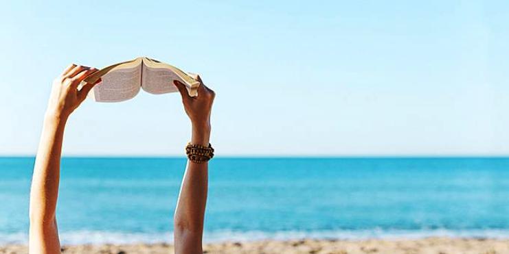 Πέντε αστυνομικά βιβλία για την παραλία