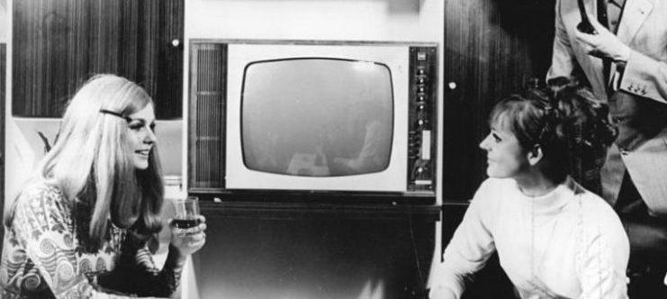 «Προσοχή χιλιάδες συσκευές τηλεοράσεως αυτοκτονούν»!...