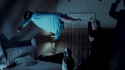 levitación the exorcist fondo