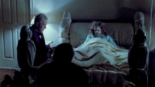 the exorcist posesa en la cama