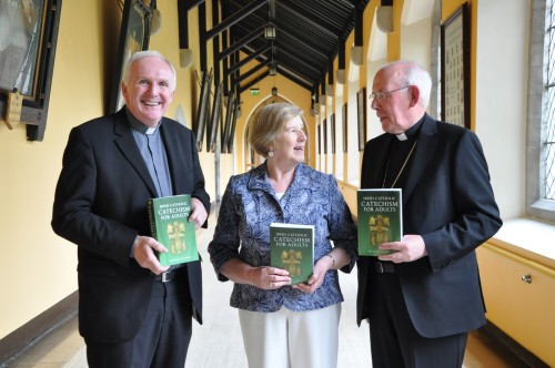 Bishop-Brendan-Leahy-Maura-Hyland-and-Cardinal-Brady-at-Launch-of-the-Irish-Catholic-Catechism-for-Adults-