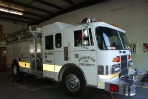 Engine 2 1987 Pierce Lance Pumper 1500 GPM Waterous Pump 750 Gallon Poly Tank