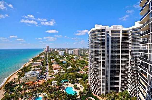 Views of L'Hermitage Condominium Ft Lauderdale