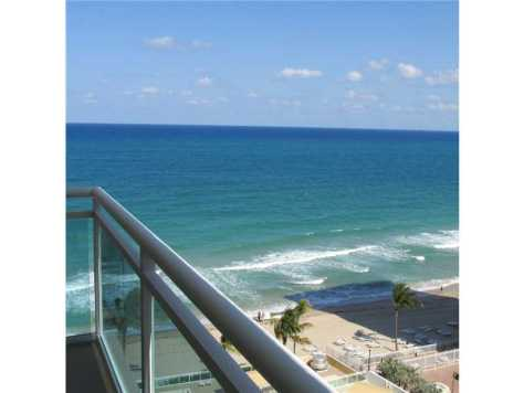 Ocean Views from this Galt Ocean Mile condo here in Playa Del Mar