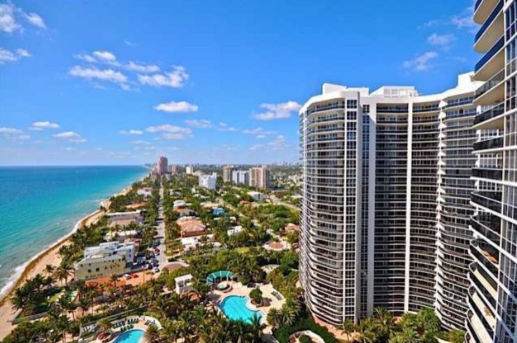 View of luxury L'Hermitage Fort Laudedale condos for sale - 3100 N Ocean Blvd Fort Lauderdale FL