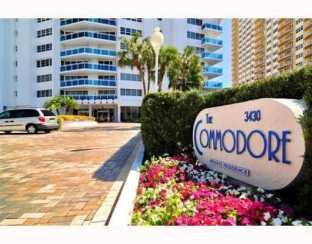The entrance to The Commodore Condominium Ft Lauderdale
