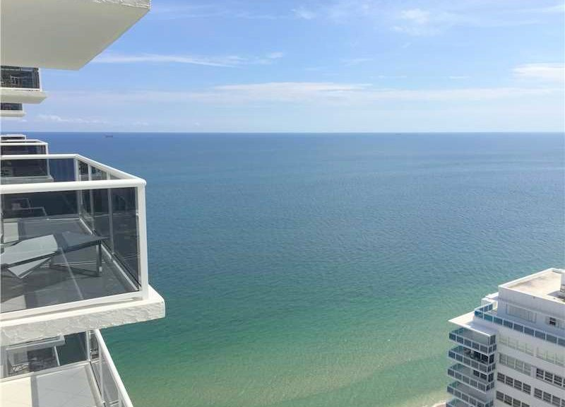 View Fort Lauderdale oceanfront condo for sale in Playa del Sol