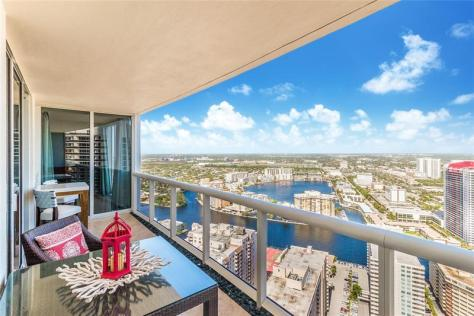 View Fort Lauderdale pet friendly condo for sale that welcomes Dogs!