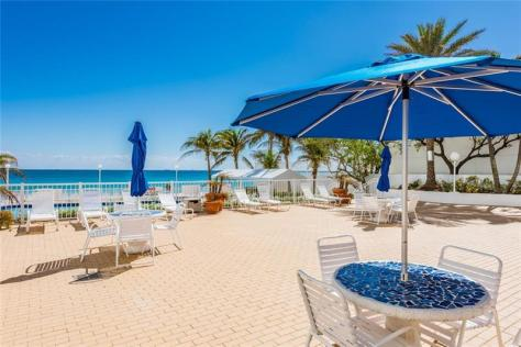 Pool area Ocean Summit Galt Ocean Mile condominium Fort Lauderdale