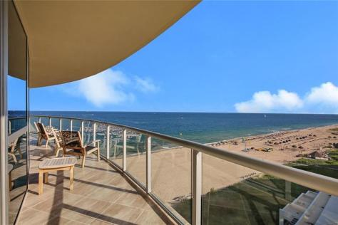 View Fort Lauderdale pet friendly condo for sale - welcoming dogs of all sizes!
