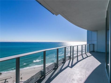 View from a 3 bedroom Fort Lauderdale oceanfront condo for sale in Paramount