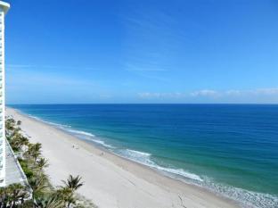 view-galt-ocean-mile-condo-just-lised-for-sale-lhermitage-unit-1009-1005-F10103413