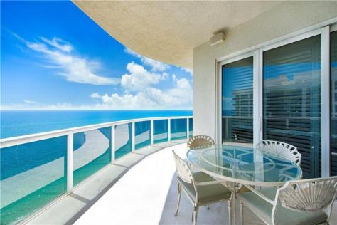 View luxury Galt Ocean Mile condo recently L'Hermitage