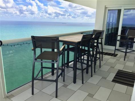 View luxury 3 bedroom Galt Ocean Mile condo recently sold Playa del Sol