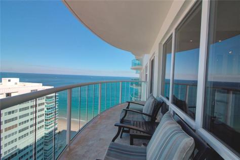 View 2 bedroom oceanfront condo recently sold in Southpoint on Galt Ocean Mile