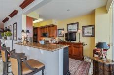 kitchen-bar-lambiance-4240-galt-ocean-drive-fort-lauderdale-condo-for-sale-F10152106