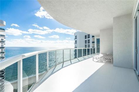View luxury Galt Ocean Mile condo recently sold L'Hermitage