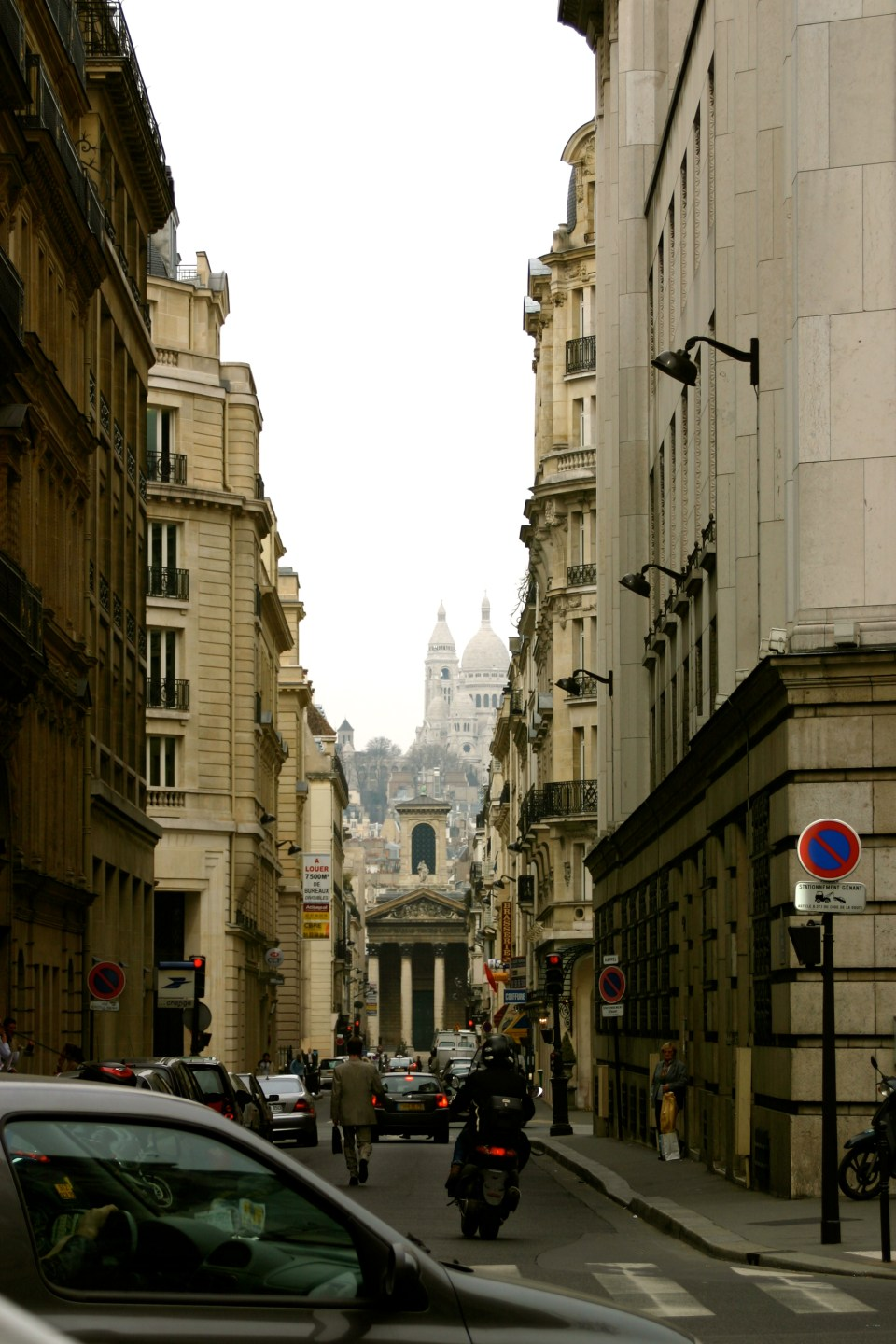 A Street View of Montmartre