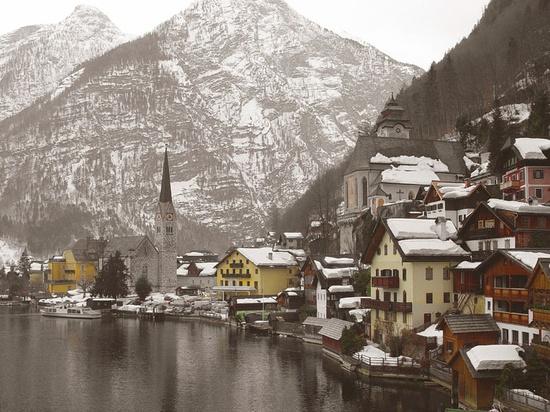 Snow Hallstatt