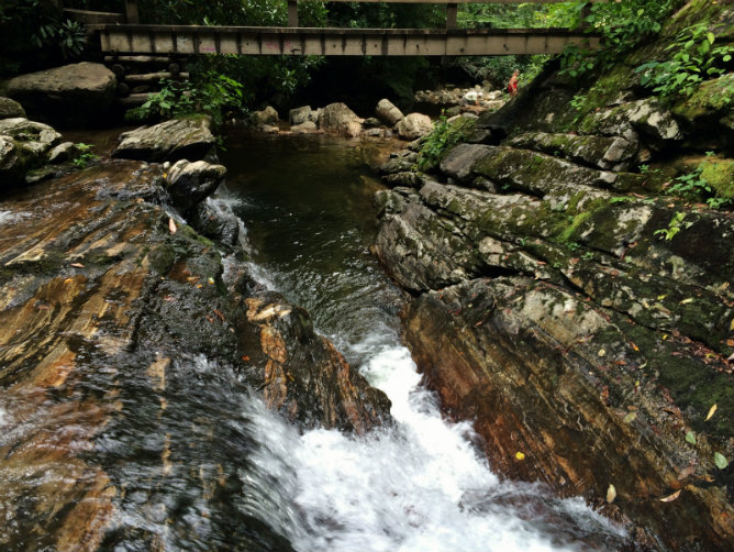 SKinnyDip Falls Gorge