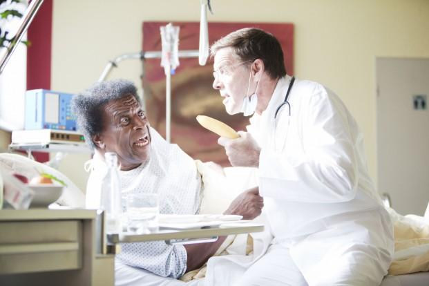 Rassismusdebatte am Krankenbett: Roberto Blanco und Sascha Hehn