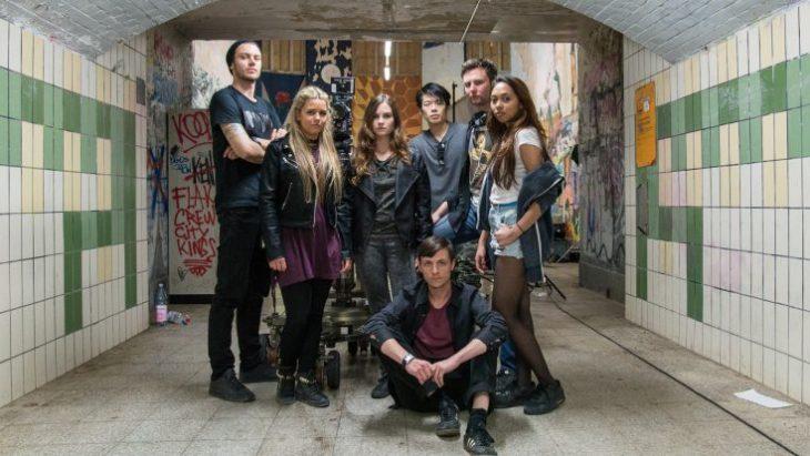 """So abgerockt kann Barmen sein: der Cast von """"Wishlist""""; Foto: Outside the Club/Vien Tran Van"""