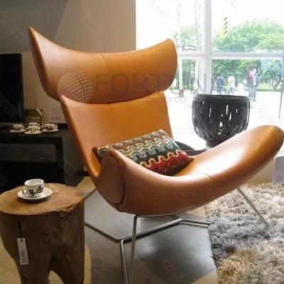 Кресло в коже и оттоманка с доставкой 78000 рублей.