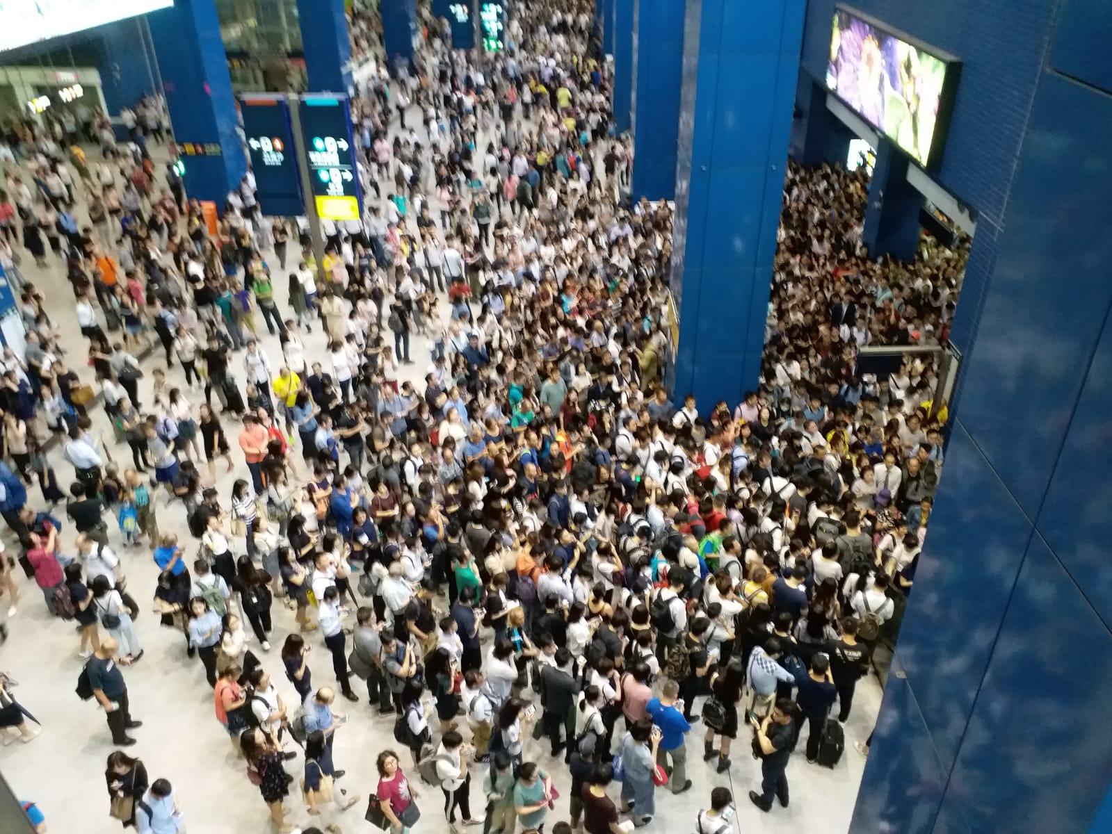【山竹襲港】風災過後,連登網民讚許香港基建一流,水電供應穩定,港鐵仍為大眾服務。 – Fortune Insight