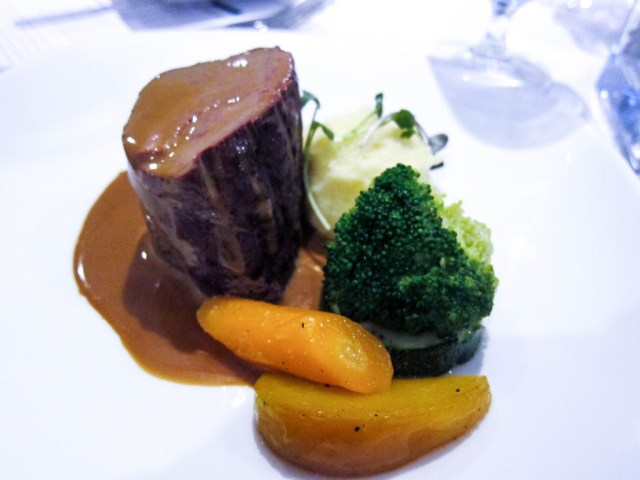 roast beef tenderloin with lactose sauce