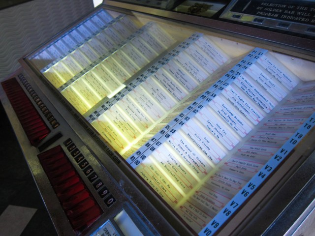 baker's hill jukebox palawan
