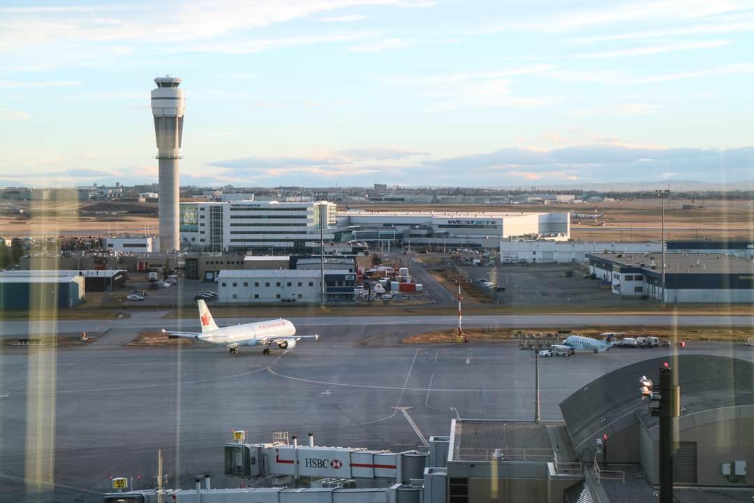 marriott calgary airport in terminal hotel