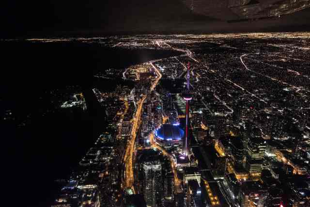 adventure for adrenaline seekers: piloting a Cessna 172 Toronto Canada by Ethan Chin