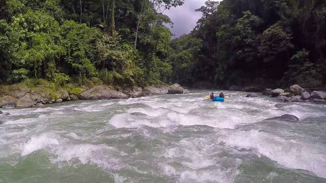 Unforgettable things to do in Costa Rica in November whitewater rafting