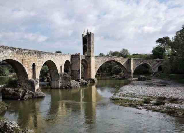 besalu spain travel destinations
