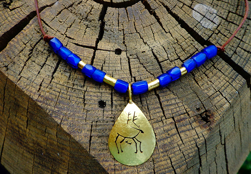 caribou amulet with russian blues