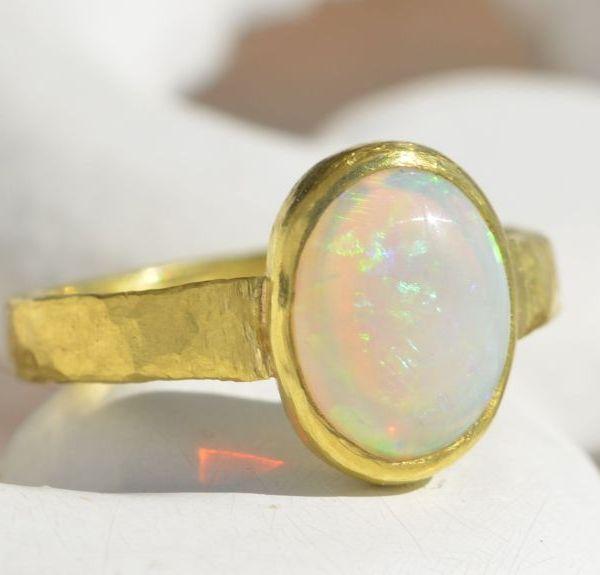 Classic opal ring