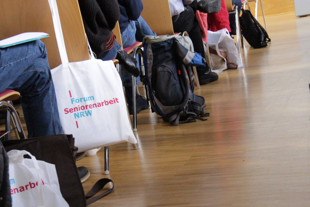 Tasche mit Logo der Frühjahrsakademie