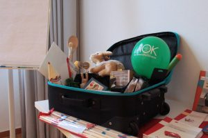 Koffer mit Arbeitsmaterial
