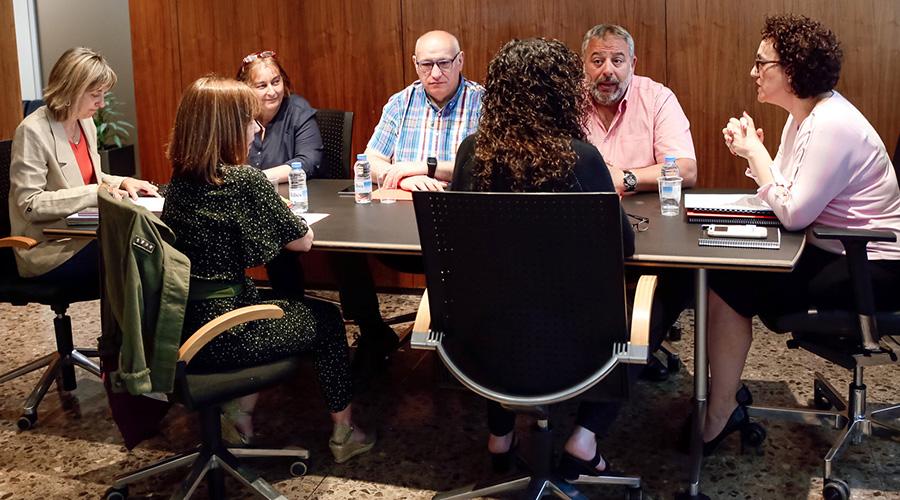 Reunió de la minsitra Pallarès amb membres del Sipaag