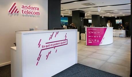 Recepció e l'oficina comercial d'Andorra Telecom.