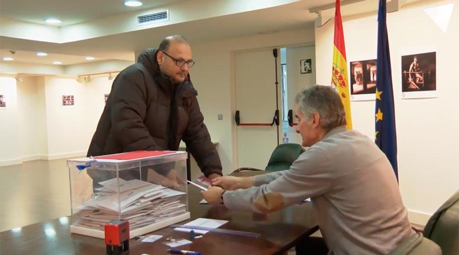 Una urna a l'ambaixada d'Espanya a Andorra
