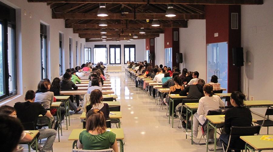 Prova d'Accés a la Universitat, antiga Selectivitat a la Seu d'Urgell. Foto Ràdioseu (ARXIU)