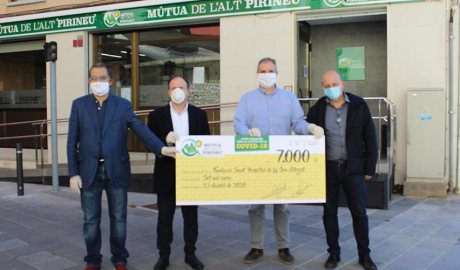 La Mútua de l'Alt Pirineu entrega 7.000 a la fundació del Sant Hospital de la Seu d'urgell