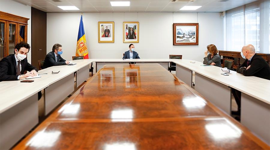 Reunió de Jover i Espot amb els cònsols d'Escaldes-Engordany, Rosa Gili i Joaquim Dolsa