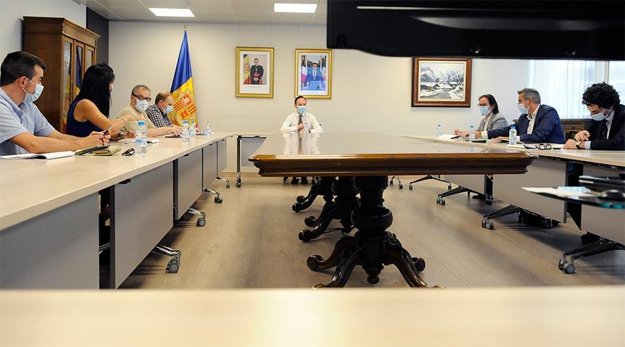 El grup parlamentari de Terceravia reunit amb el cap de Govern, Xavier Espot