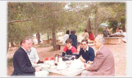El mestre Xavier Plana (a la dreta) en una imatge presa un any abans de la seva mort_20-05-1984. Foto: Josep Lluís Marquès