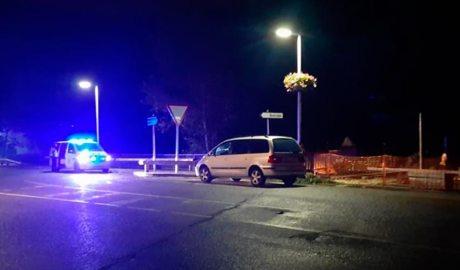 Un cotxe policial en una rotonda a Sornàs