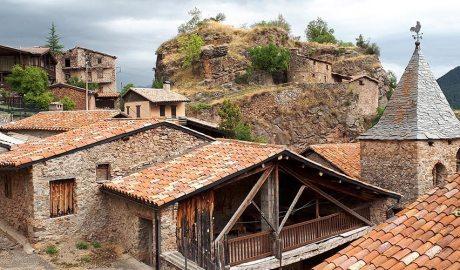 Visió de conjunt de les restes del castell del Querforadat. Carles Gascón Chopo